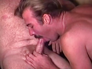 Old fuckers suck each other and spurt their cum between them