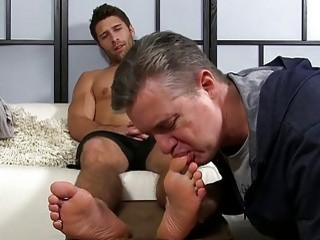 Hunk is confused and aroused by this foot fetish stuff