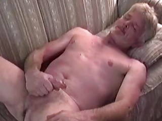 This old guy has developed the perfect jacking off technique