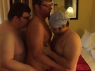 Hardcore gay threesome with some chubby lovers