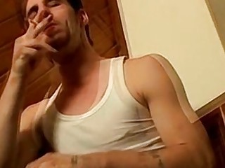 Straight guy likes to talk while jerking his cock off