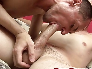 Jock takes it bareback doggy and missionary after sucking it