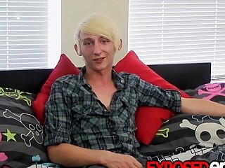 Twink jerks off after being interviewed
