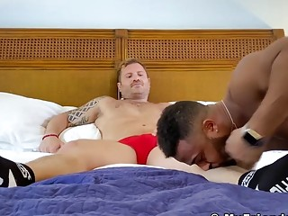 Inked hunk toe licked after hot blowjob