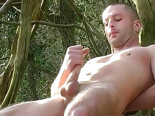 Outdoor jerking off with UK youngster